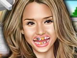 Джессика Альба у стоматолога