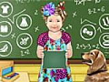 Малышка Юлия изучает математику