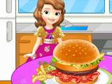 София готовит гамбургер